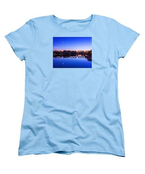 Women's T-Shirt (Standard Cut) featuring the photograph Scioto Sunset Crossing by Alan Raasch