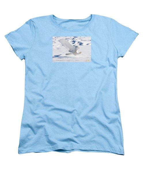 Snowy Owl Pouncing Women's T-Shirt (Standard Cut)