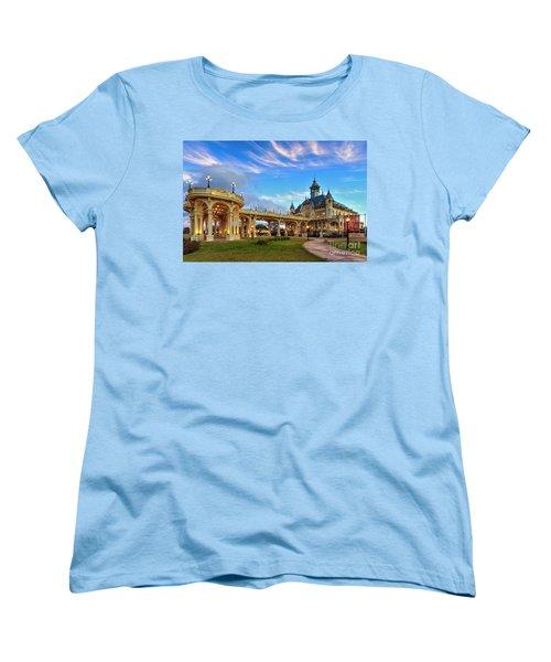 Tigre 002 Women's T-Shirt (Standard Cut) by Bernardo Galmarini