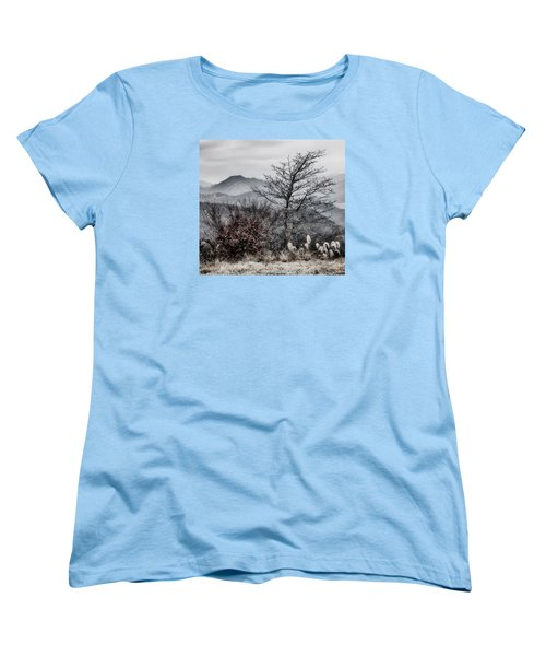 Women's T-Shirt (Standard Cut) featuring the photograph Two by Hayato Matsumoto