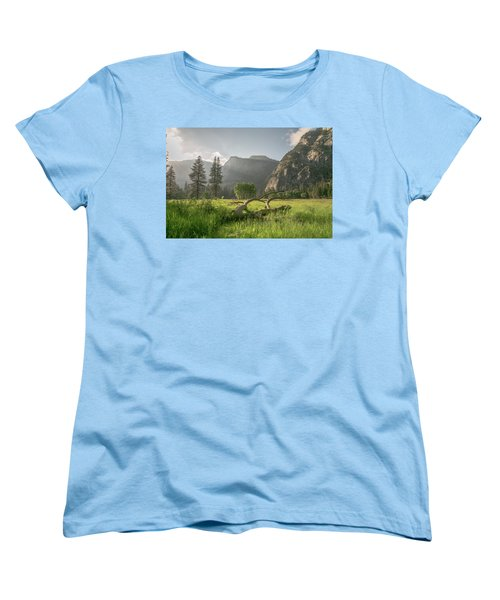 Sundown On The Valley Women's T-Shirt (Standard Cut) by Ryan Weddle