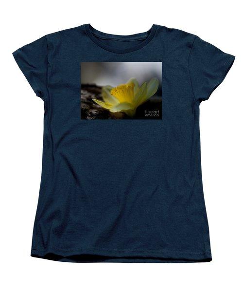 I Promise Women's T-Shirt (Standard Cut) by Wilma  Birdwell