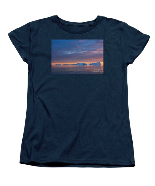 110613p176 Women's T-Shirt (Standard Cut) by Arterra Picture Library