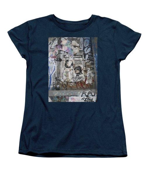 Graffiti In New York City Che Guevara Mussolini  Women's T-Shirt (Standard Cut)