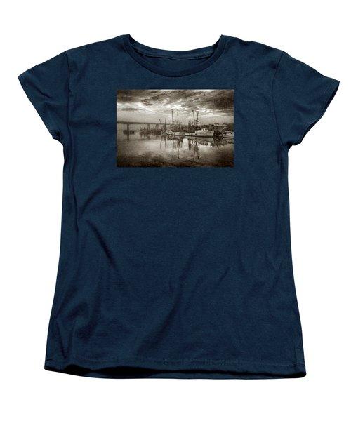 Ladies In Waiting - Painted Women's T-Shirt (Standard Cut)