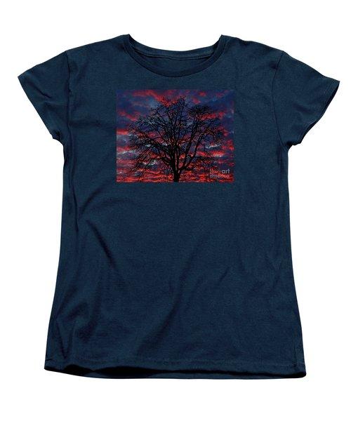 Women's T-Shirt (Standard Cut) featuring the photograph Lake Oswego Sunset by Nick  Boren