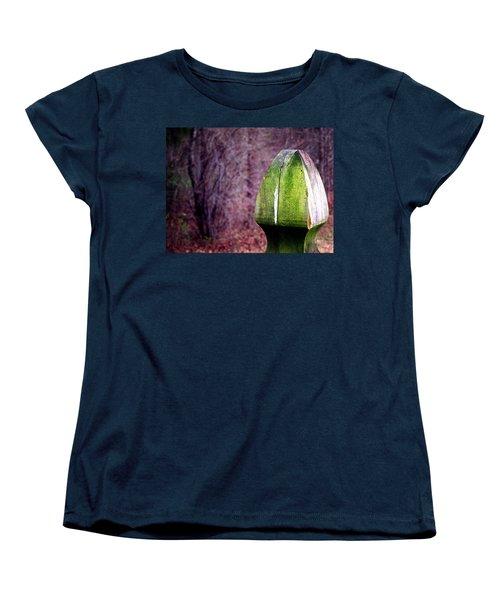 Mossy Post Women's T-Shirt (Standard Cut)