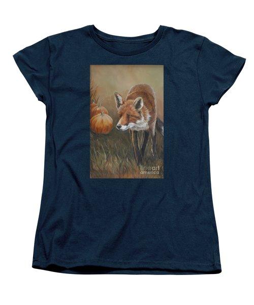 Red Fox With Pumpkins Women's T-Shirt (Standard Cut)