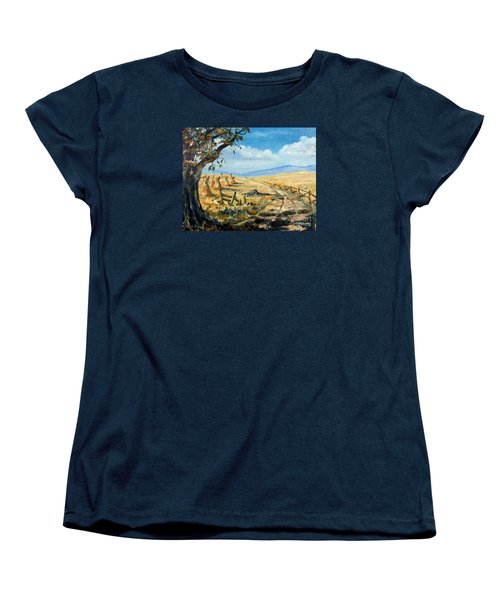 Rural Farmland Americana Folk Art Autumn Harvest Ranch Women's T-Shirt (Standard Cut)