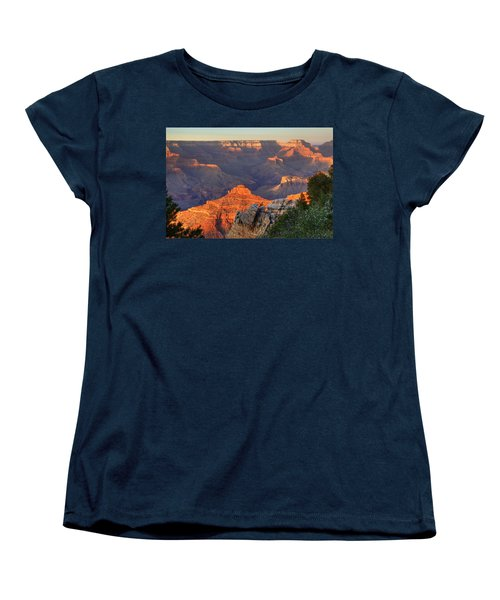 Women's T-Shirt (Standard Cut) featuring the photograph Sunset At Yaki Point by Alan Vance Ley