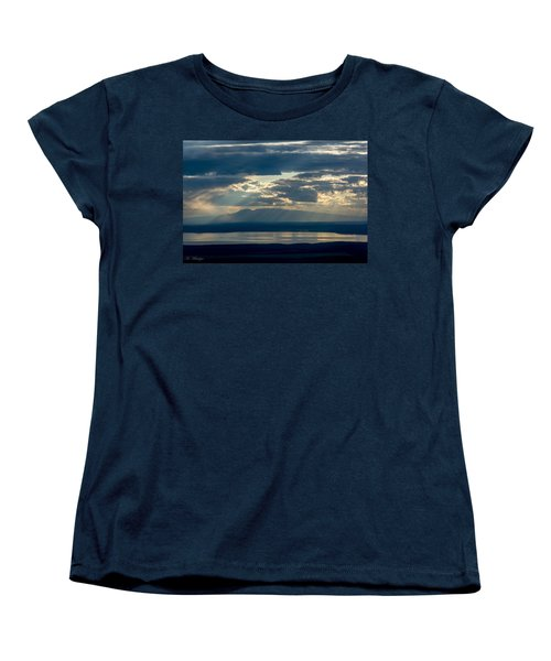 Sunset Rays Over Mount Susitna Women's T-Shirt (Standard Cut) by Andrew Matwijec