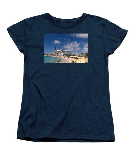 United Low Approach St Maarten Women's T-Shirt (Standard Cut) by David Gleeson