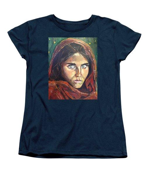 Who's That Girl? Women's T-Shirt (Standard Cut) by Belinda Low