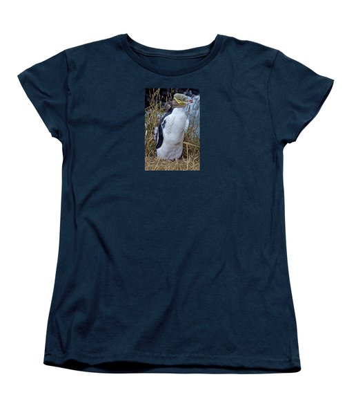 Endangered Yellow Eyed Penguin Hoiho Women's T-Shirt (Standard Cut) by Venetia Featherstone-Witty