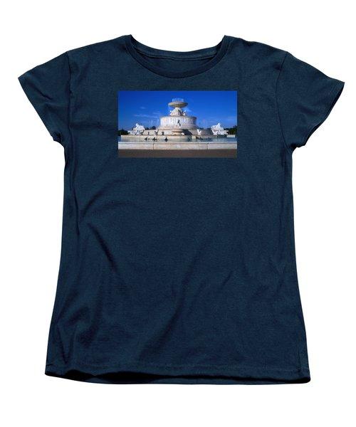 Women's T-Shirt (Standard Cut) featuring the photograph The Belle Isle Scott Fountain by Gordon Dean II