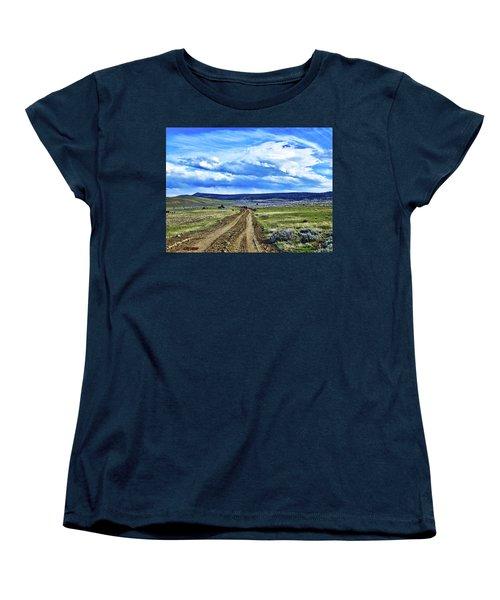 Room To Roam - Wyoming Women's T-Shirt (Standard Cut) by L O C