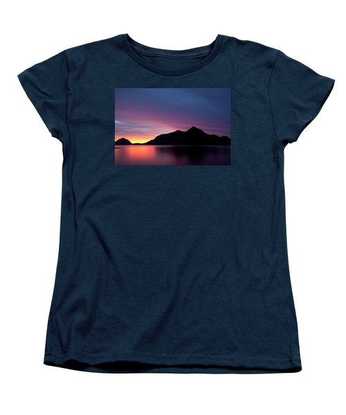 1.1.11  Women's T-Shirt (Standard Cut)