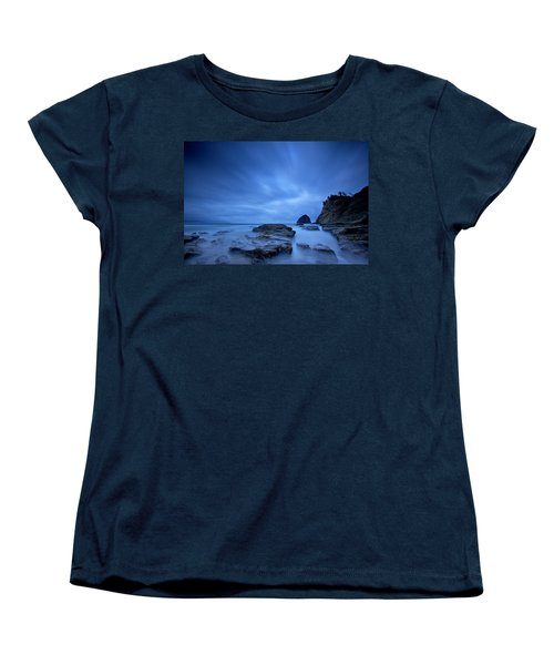 Cape Kiwanda Women's T-Shirt (Standard Cut) by Evgeny Vasenev