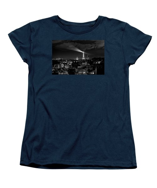 Women's T-Shirt (Standard Cut) featuring the photograph Paris by Hayato Matsumoto