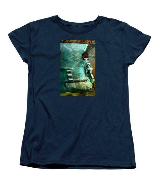 Belair Grunge Women's T-Shirt (Standard Cut)