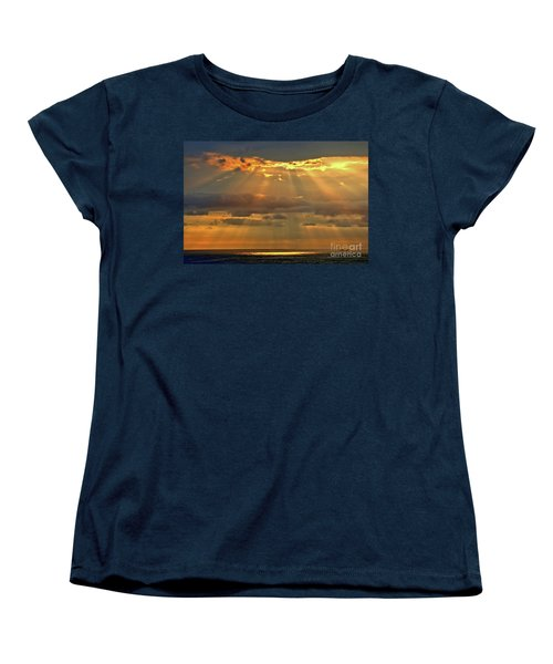 Women's T-Shirt (Standard Cut) featuring the photograph Big Island Rays by DJ Florek