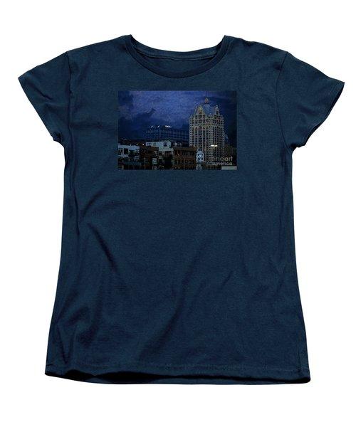 Chase Women's T-Shirt (Standard Cut) by David Blank