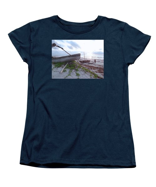 early morning African fisherman and wooden dhows Women's T-Shirt (Standard Fit)
