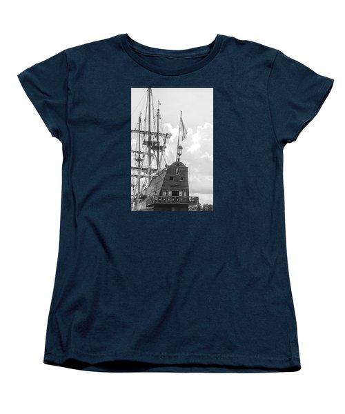 El Galeon Women's T-Shirt (Standard Cut) by Bob Decker