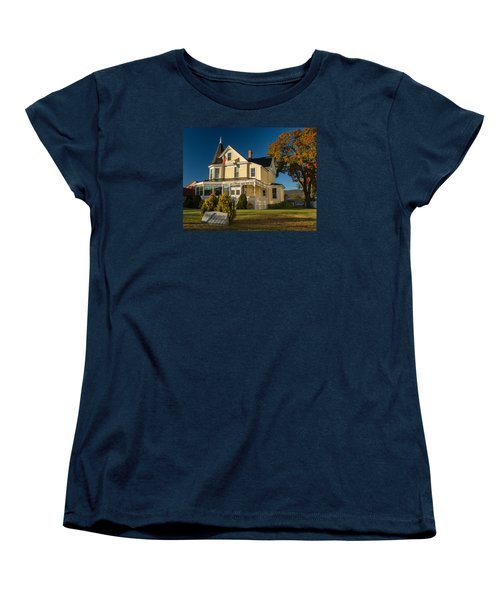 Women's T-Shirt (Standard Cut) featuring the photograph Gibson Woodbury House North Conway by Nancy De Flon