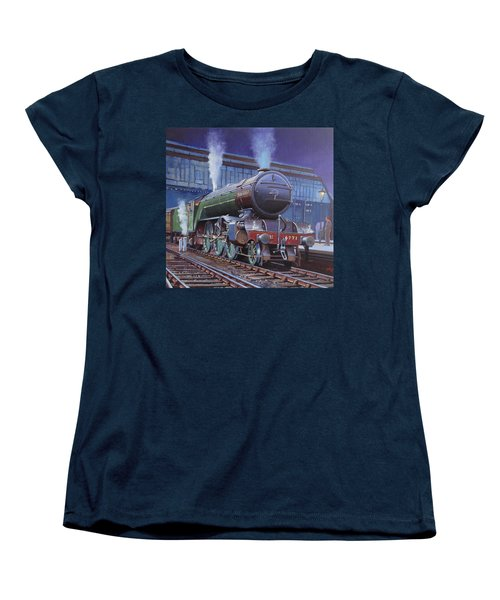 Gresley Green Arrow Class. Women's T-Shirt (Standard Cut) by Mike  Jeffries
