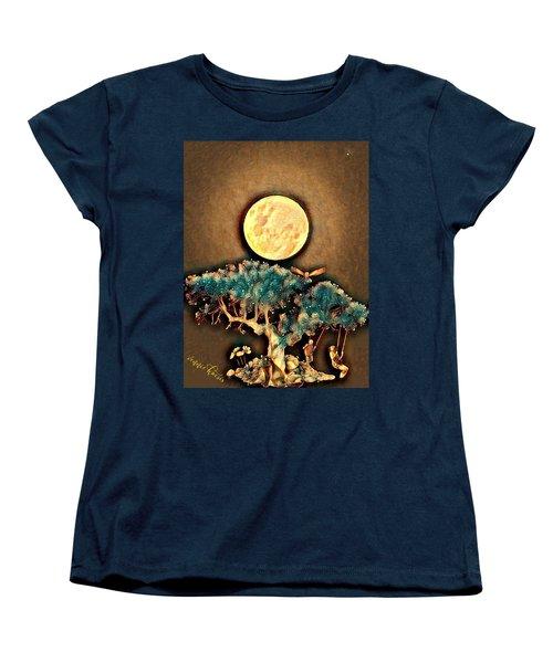 Grounding Women's T-Shirt (Standard Cut) by Vennie Kocsis