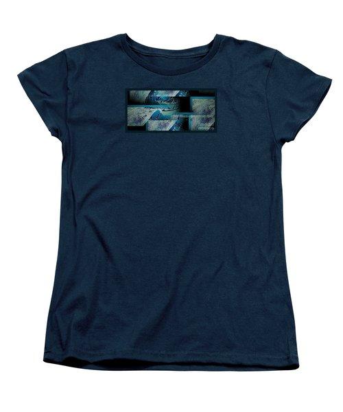 Hidden Gecko  Women's T-Shirt (Standard Cut) by Pamela Blizzard
