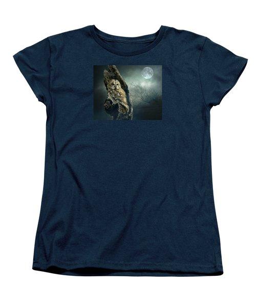 Women's T-Shirt (Standard Cut) featuring the photograph Hunter's Moon by Brian Tarr