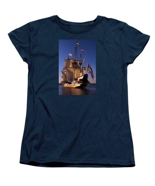 Kalmar Nyckel Women's T-Shirt (Standard Cut) by Skip Willits