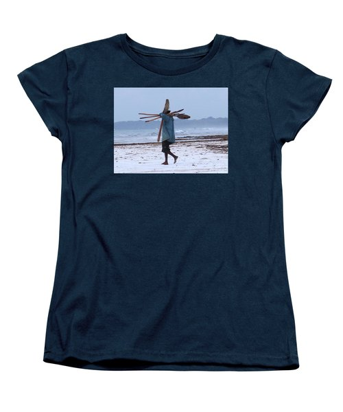 Kenyan Fisherman And Oars Women's T-Shirt (Standard Fit)