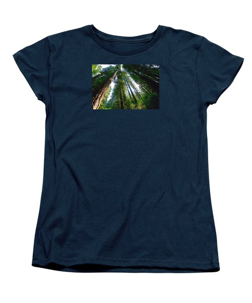 Women's T-Shirt (Standard Cut) featuring the photograph Looking Up by Lynn Hopwood