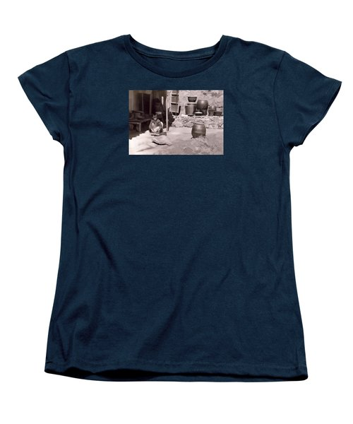 Women's T-Shirt (Standard Cut) featuring the photograph Mamasan by Dale Stillman