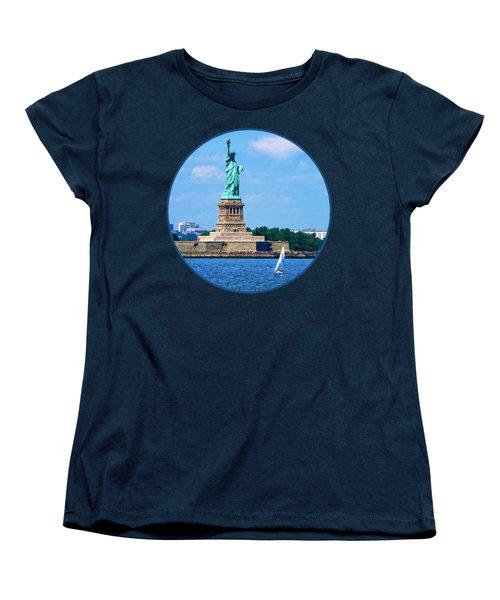 Manhattan - Sailboat By Statue Of Liberty Women's T-Shirt (Standard Cut)