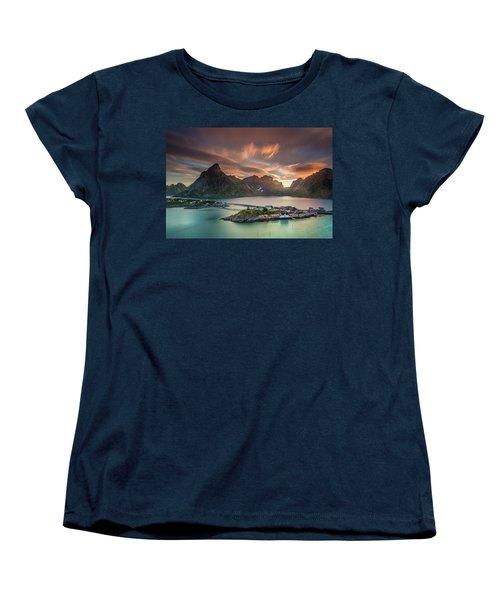 Midnight Sun Galore Women's T-Shirt (Standard Cut)