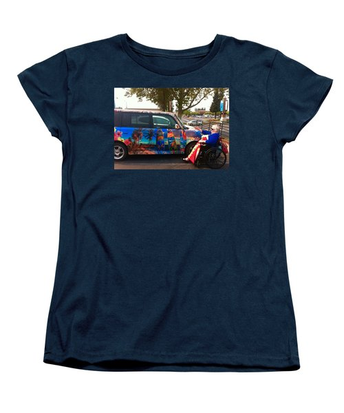Mom Loves Surf Car Women's T-Shirt (Standard Cut)