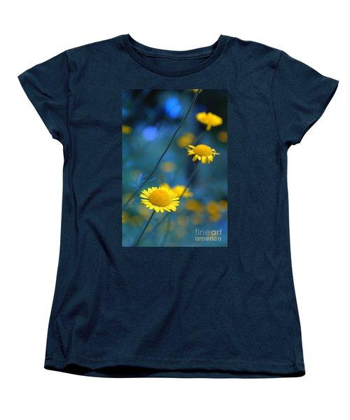 Momentum 04a Women's T-Shirt (Standard Cut) by Variance Collections
