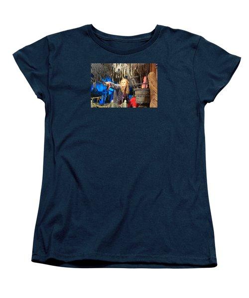 Orlando Bloom Women's T-Shirt (Standard Cut) by Qingrui Zhang