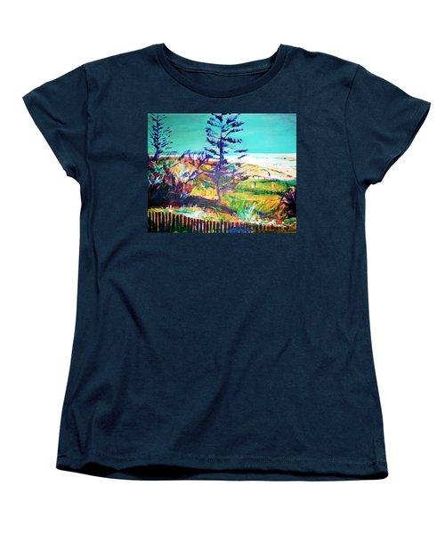 Pine Tree Pandanus Women's T-Shirt (Standard Cut)