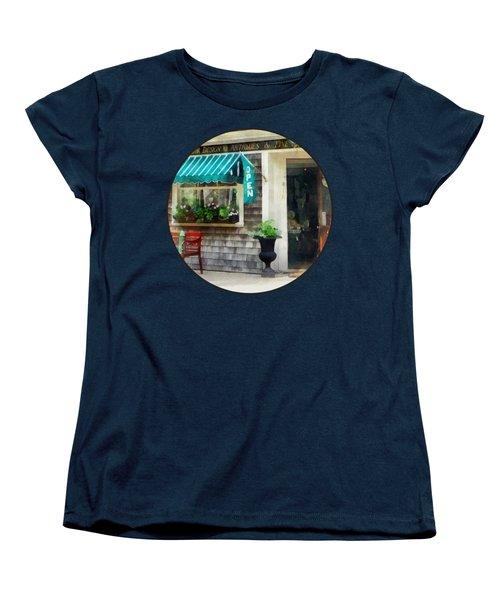 Rhode Island - Antique Shop Newport Ri Women's T-Shirt (Standard Cut)