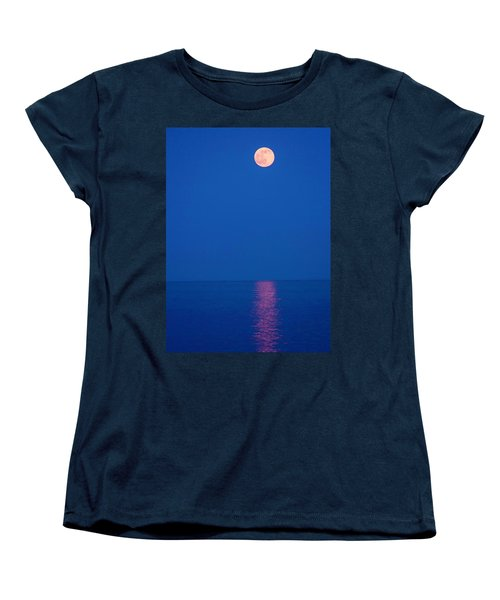 Women's T-Shirt (Standard Cut) featuring the photograph Rise by Michael Nowotny