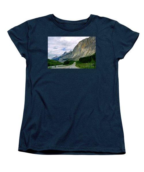 Road Trip  Women's T-Shirt (Standard Cut) by Elfriede Fulda