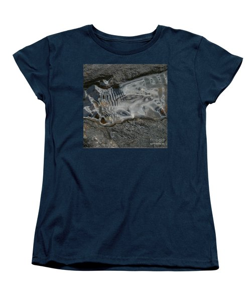 Still Stream Skeleton Screams Women's T-Shirt (Standard Cut)