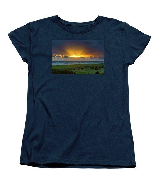 Sun Rays At Long Beach Washington During Sunset Women's T-Shirt (Standard Fit)