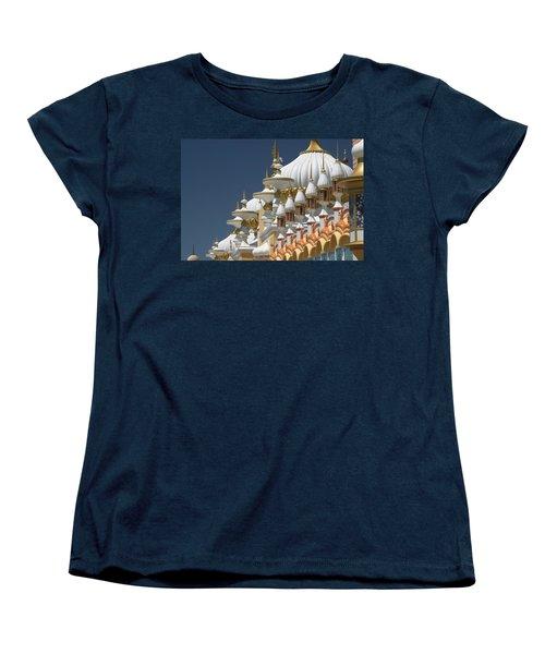 Taj Mahal Women's T-Shirt (Standard Cut) by Living Color Photography Lorraine Lynch