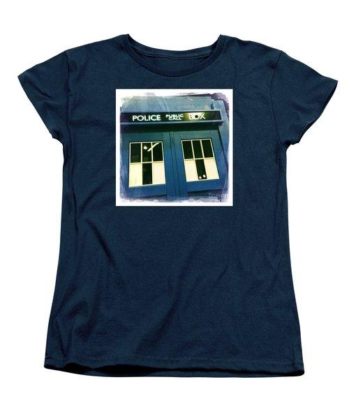 Tardis Dr Who Women's T-Shirt (Standard Cut) by Nina Prommer
